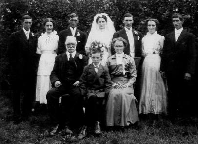 Thomas and Jane WATSON family 1914